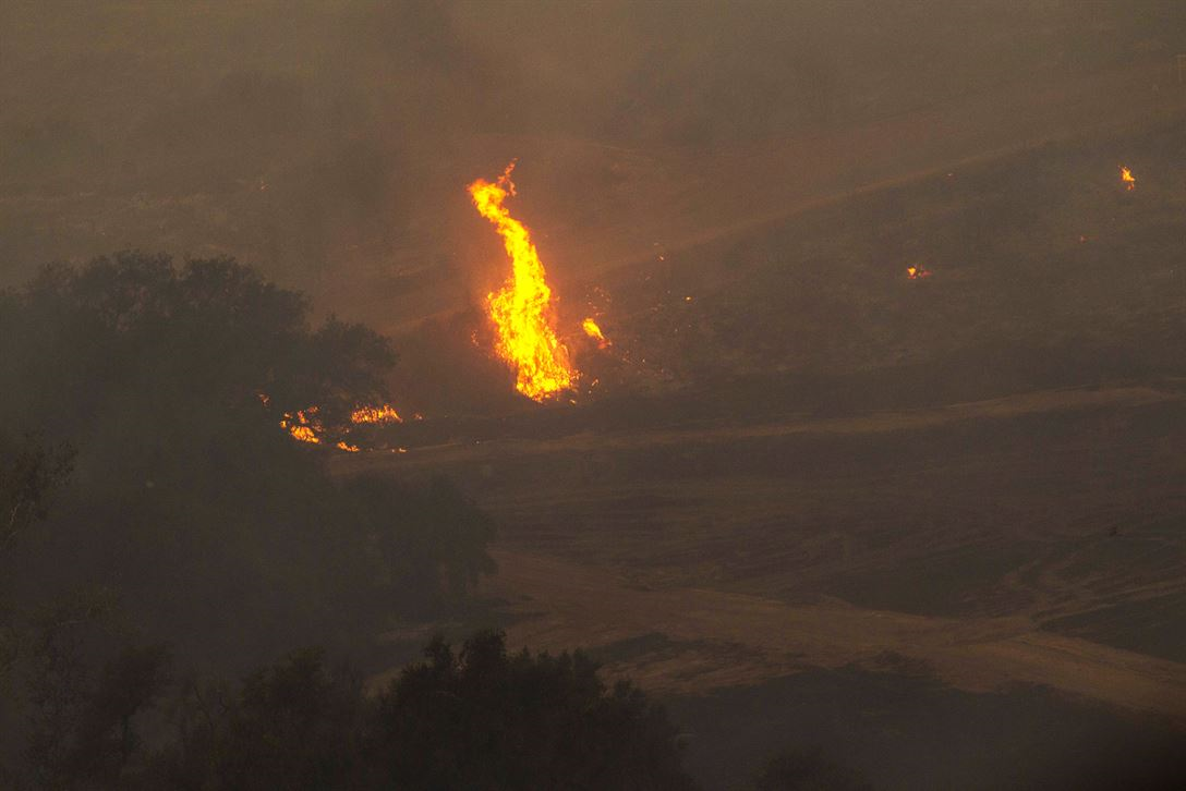 Image of a wild fire in Ventura County