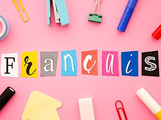 Francais lettering on pink background